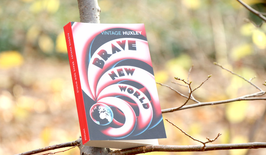 Aldous_Huxley_Brave_new_world_(Buchclub)
