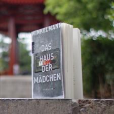 Andreas_Winkelmann_Haus_der_Maedchen_(Ausblick_Vorschau)
