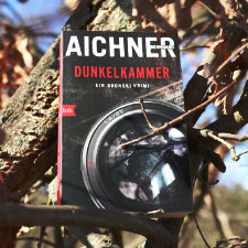 Bernhard_Aichner_Dunkelkammer_(Resumee_Vorschau)